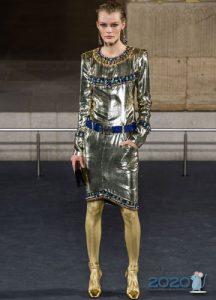 Серебряное платье Шанель осень-зима 2019-2020