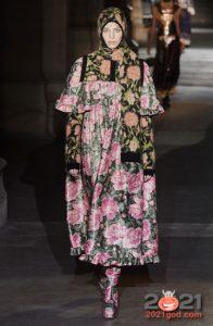 Модные сапоги с цветами осень-зима 2020-2021